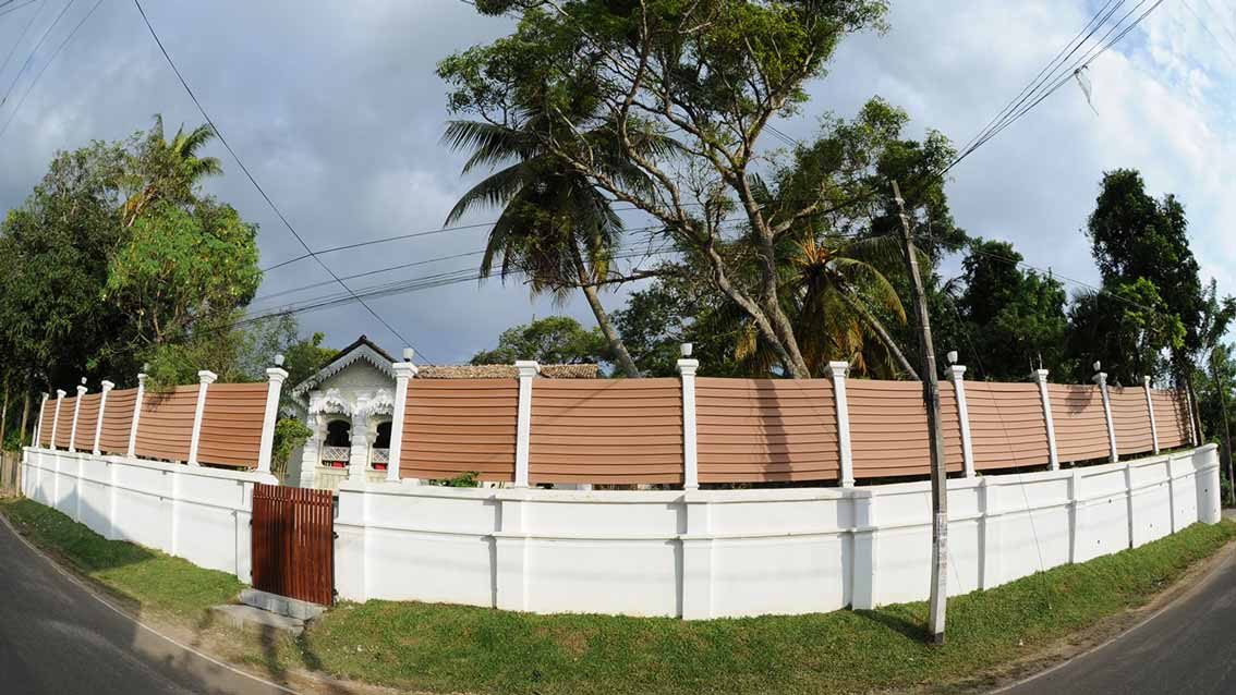 colonial-bungalow-From-the-Road